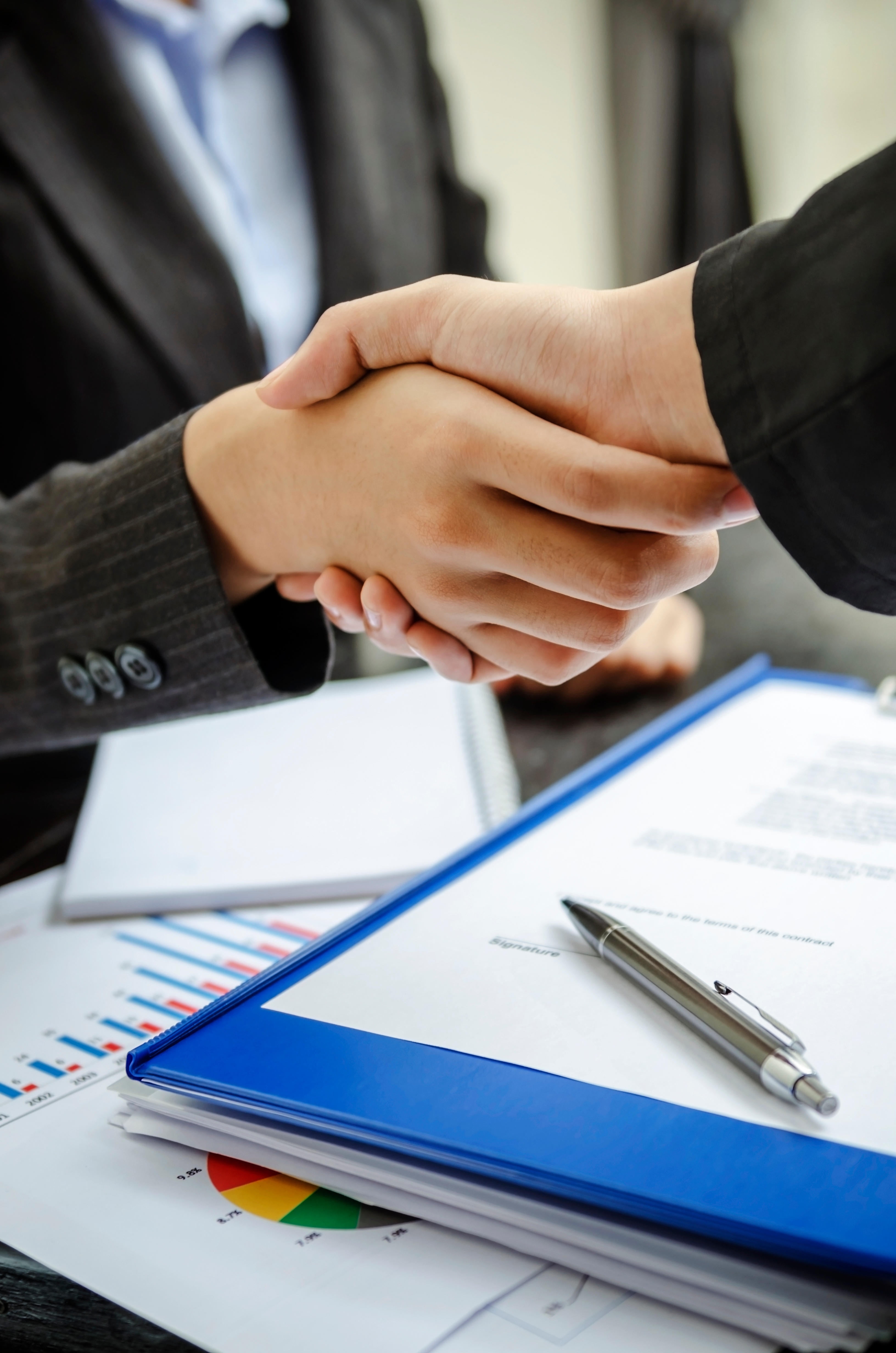 ThinkstockPhotos-471846791_contract.jpg